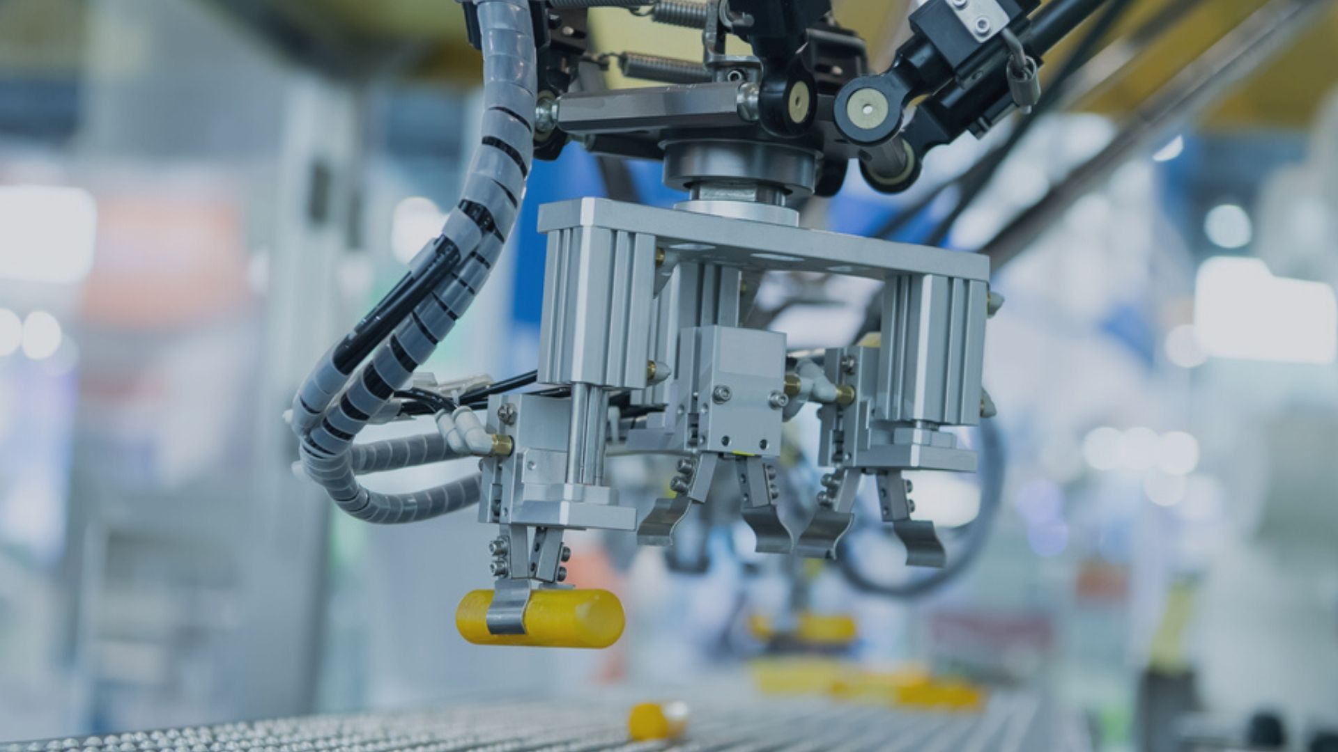 How real-time operations management is transforming automotive manufacturing